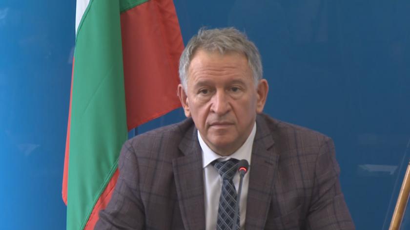 живо здравният министър петък съобщим решение мерките национално ниво