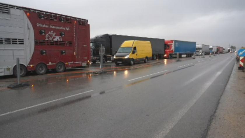 """20 км опашка от тирове чакат на """"Дунав мост-2"""""""