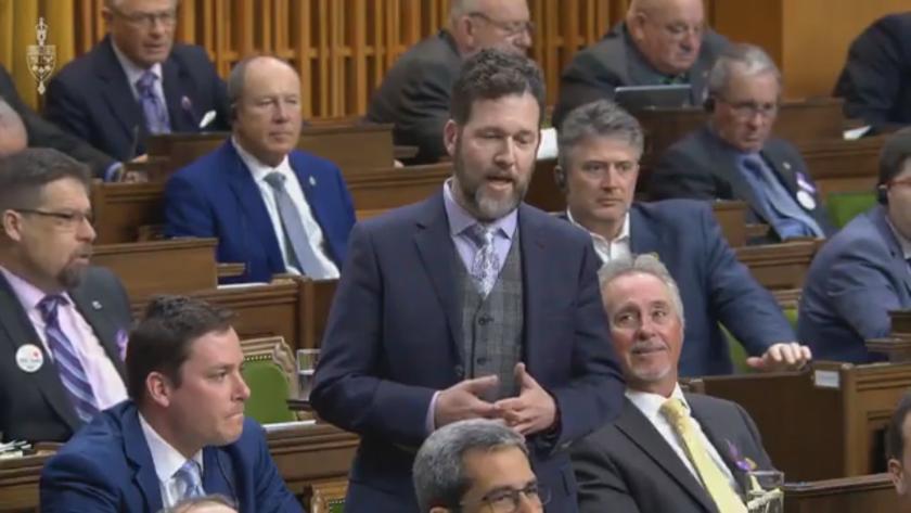 Задължително ваксиниране за канадските депутати