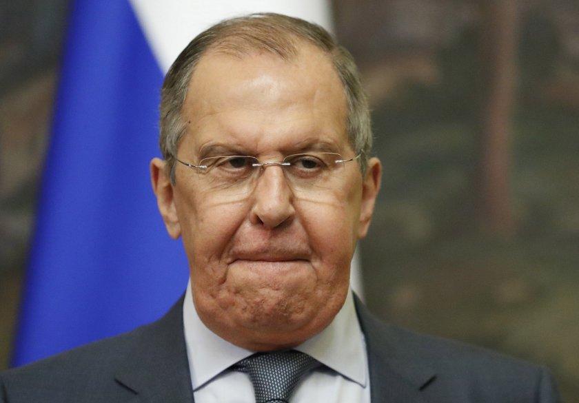 Русия ще преустанови работата на постоянната си мисия в НАТО