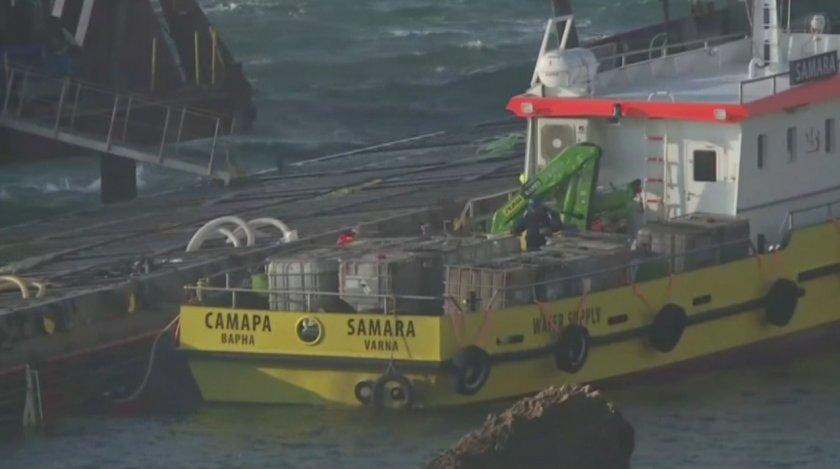 Разтоварването на заседналия край Камен бряг кораб ще започне въпреки
