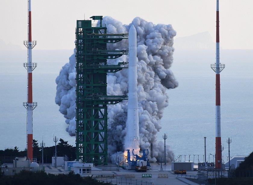 Южна Корея изстреля първата си космическа ракета собствено производство. Стартът