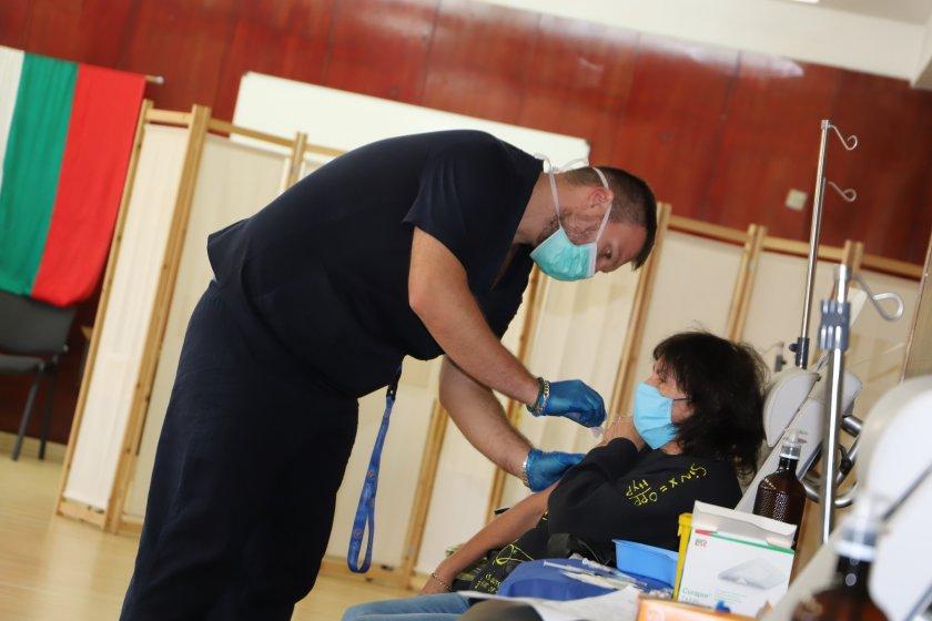 214 души се ваксинираха през днешния съботен ден във Военномедицинска