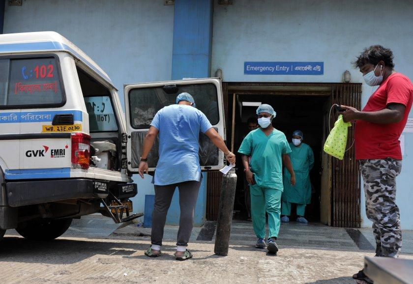 В Индия беше поставена милиардната доза ваксина срещу COVID-19, докато