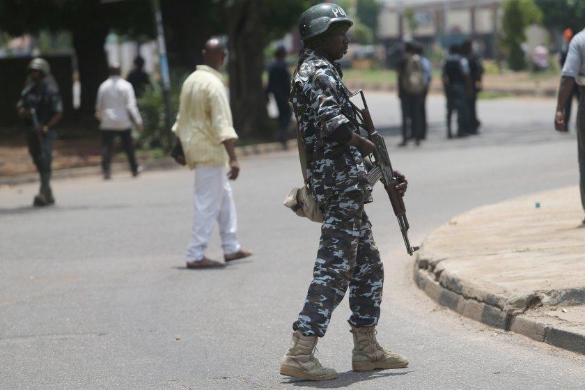 Въоръжени лица в Северозападна Нигерия нападнаха селски пазар в щата