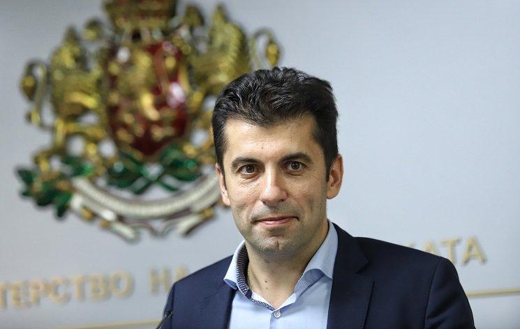 След решението на КС: Валидността на актовете на Кирил Петков