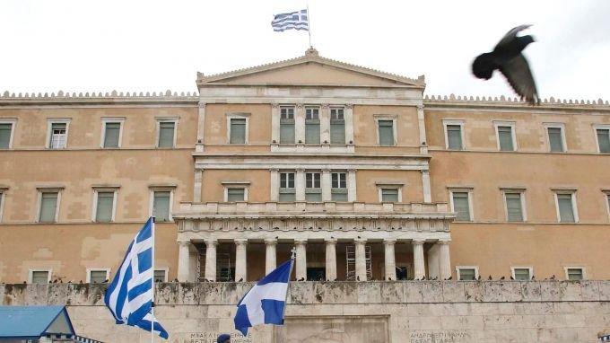 При строги мерки срещу пандемията Гърция отбелязва националния си празник.