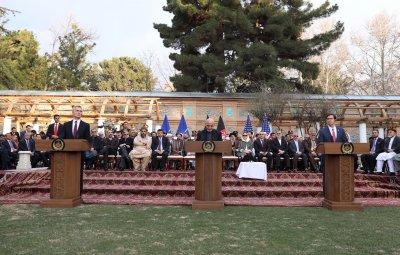 САЩ и талибаните подписаха споразумение за мир в Доха