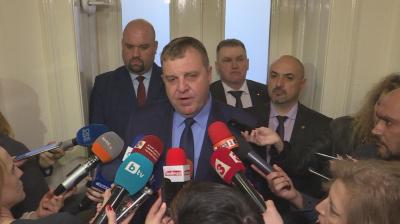 Красимир Каракачанов: България е готова да изпрати жива сила и военна техника на границата, ако се наложи