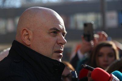 """Главният прокурор изисква от здравния министър информация за контрола на базар """"Илиянци"""""""