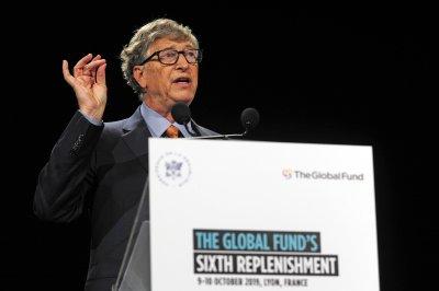 """Бил Гейтс се оттегля от борда на директорите на """"Майкрософт"""""""