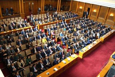 Заседание в НС за предложеното въвеждане на извънредно положение