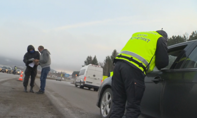 Затруднен трафик и колона от автомобили при КПП-то между Владая и Драгичево