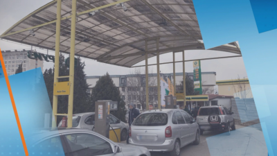 """Проверка на """"По света и у нас"""": Има ли спад в цените на бензина след поевтиняването на петрола"""