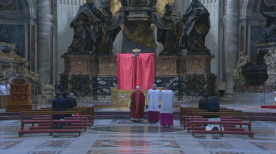 """Папа Франциск отслужи служба в празната базилика """"Свети Петър"""""""