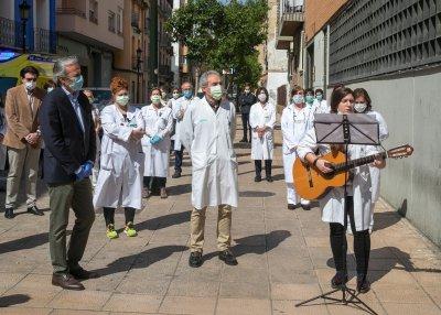 Испания разхлабва постепенно мерките срещу COVID-19, намалява броят на новите случаи