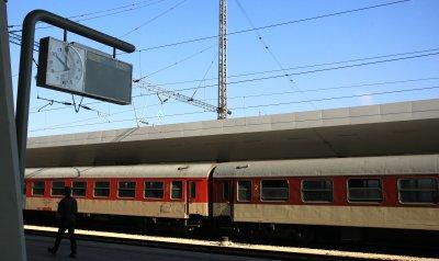 Нормализирано е движението на влаковете от Централна гара София