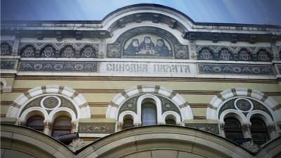 Светият Синод: Плащаницата на Разпети петък да не се целува