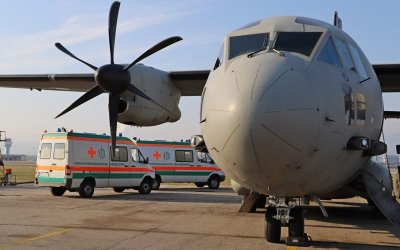 Екипи на три болници и ВВС участваха в животоспасяваща операция на 7-годишно дете