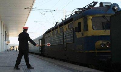 БДЖ ограничава движението на влакове по празниците заради мерките срещу коронавируса
