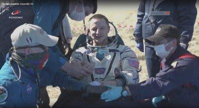 Трима астронавти от МКС се върнаха на една променена планета
