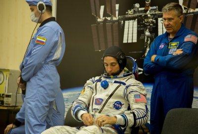 Руски учени препоръчват космонавтите да пият кефир при полет до Марс