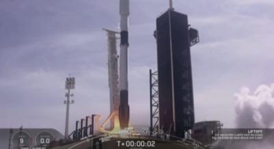 """Компанията """"Спейс Екс"""" изстреля седмо съзвездие от спътници"""