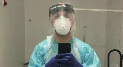 Сирийски режисьор бежанец работи в помощ на медиците в Лондон
