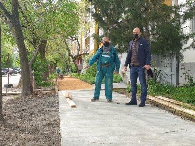 В Пловдив изграждат нови тротоари и паркоместа
