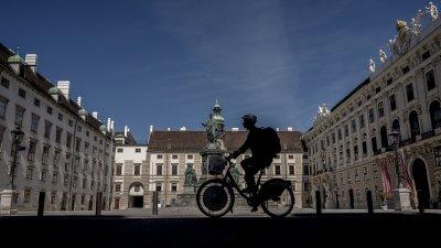 Европа продължава да отпуска мерките срещу COVID-19