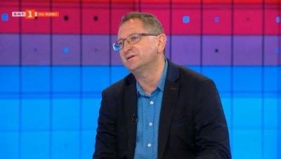 Доц. Бърдаров: Има връзка между възрастта на жертвите на COVID-19 и демографския профил