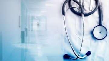 Заразените с коронавирус медици у нас са 83 души