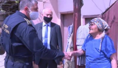 Задържаха мъжете, нападнали 88-годишна баба в с. Дъбово