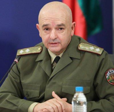 Генерал Мутафчийски получавал смс-и и имейли със заплахи за живота си