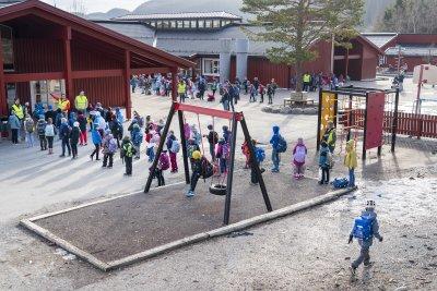 Децата в Норвегия тръгват на училище