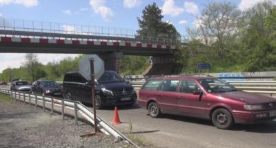 Засилен трафик и опашки по пътищата към Южното Черноморие