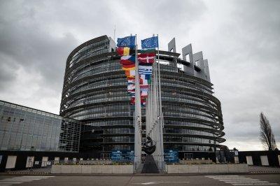 Отварят център за тестване за COVID-19 в сградата на Европейския парламент