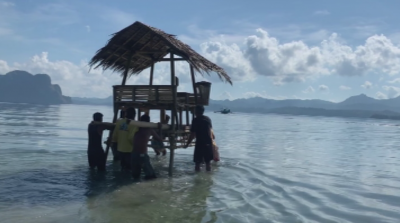 Далеч от света - българин работи от офис в залива на филипински остров