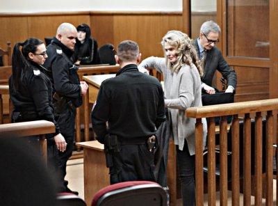 Жената на Васил Божков и служителка от негова фирма остават в ареста