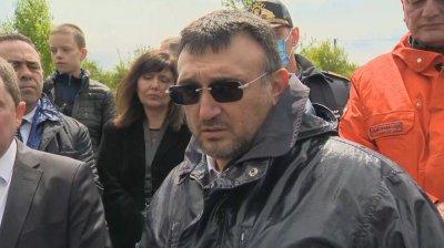 Младен Маринов: Ситуацията в Перник е овладяна, дигата е поправена