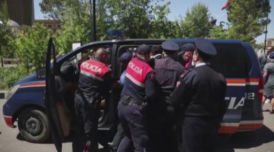 Протести в Албания срещу управлението на премиера Еди Рама