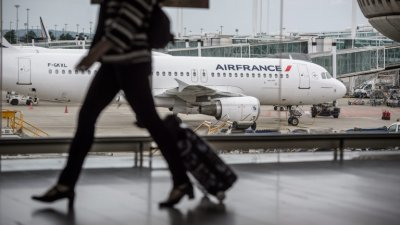 70 българи са блокирани на летище в Париж при опит да влязат във Франция
