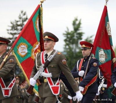 Парадът на храбростта във Велико Търново за Гергьовден