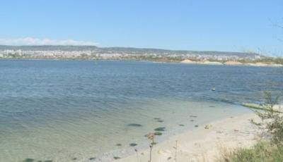 Ремонтират тръба за отпадни води, замърсили Варненското езеро