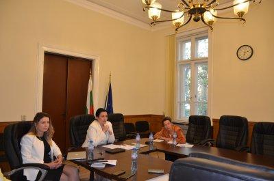 Танева: И България иска увеличение на бюджета на мярката COVID-19 с над 1 %