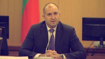 Президентът разкритикува мерките за справяне с кризата