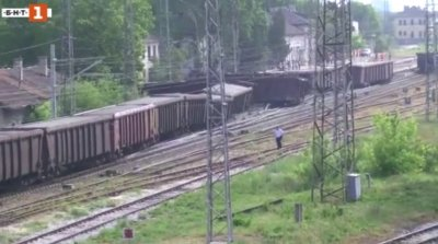 Дерайлиралият влак на гара Нова Загора се е движил с допустима скорост