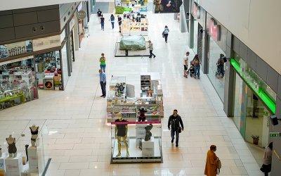 Моловете отвориха врати. Как работят магазините? (СНИМКИ)
