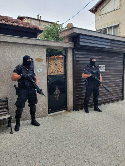 Полицейска акция в Пловдив - задържаха известен лихвар