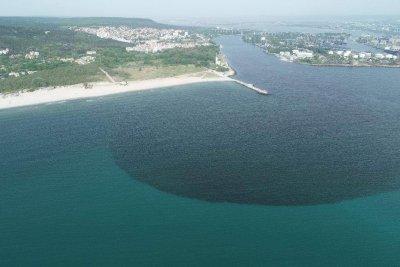 Разследват виновните за замърсяването с фекални води на Варненското езеро